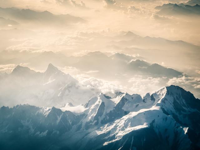 Über den Französischen Alpen 2 - fotokunst von Johann Oswald