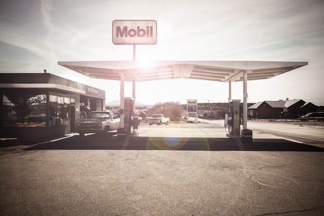 Hast du Benzin? - fotokunst von Florian Paulus