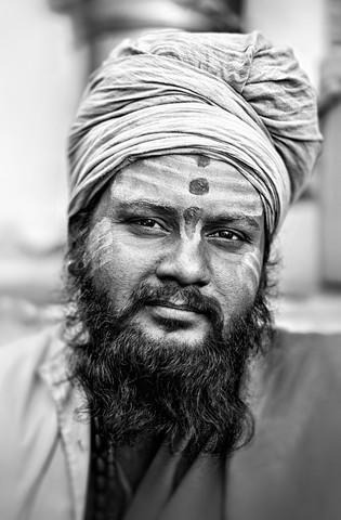 Sadhu in Udaipur - fotokunst von Victoria Knobloch