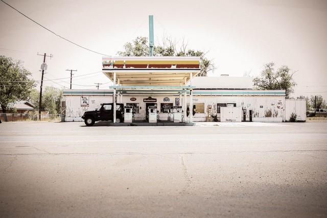 tank stop. - fotokunst von Florian Paulus