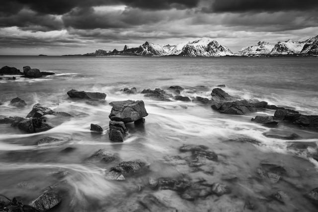 windy morning // Fredvang beach, Lofoten islands - fotokunst von Eva Stadler