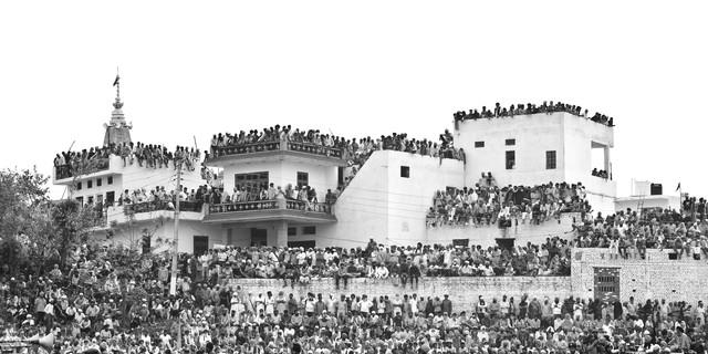 ship of people - fotokunst von Jagdev Singh
