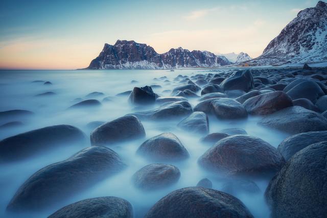 [:] rolling stones of Uttakleiv [:] - fotokunst von Franz Sussbauer