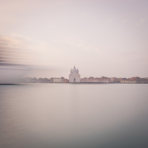 sunrise chiesa del redentore | venice | italy, sonnenaufgang chiesa del redentore - fotokunst von Dennis Wehrmann