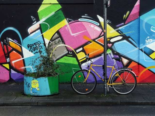 Yellow Bike - fotokunst von Anuschka Wenzlawski