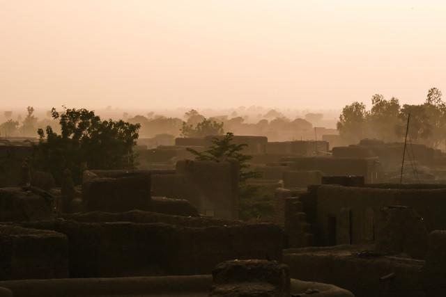 Über den Dächern von Djenné - fotokunst von Mathias Becker