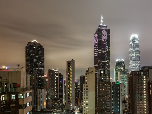 Wolkenkratzer Hongkong - fotokunst von Sebastian Rost