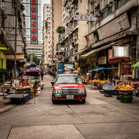 Hong Kong Taxi - fotokunst von Sebastian Rost