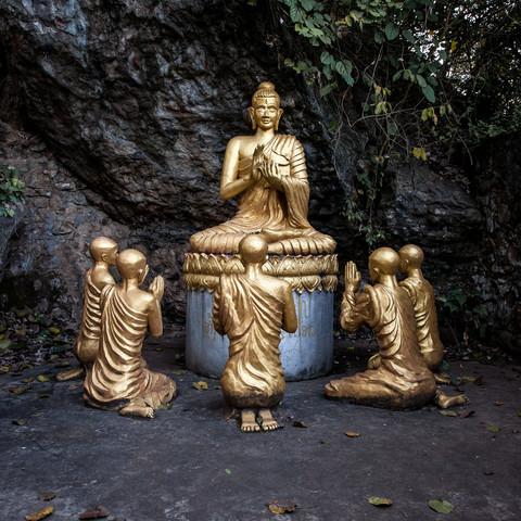 Buddhas - fotokunst von Sebastian Rost