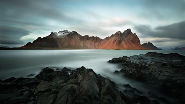 Vestrahorn auf Island - fotokunst von Dennis Wehrmann