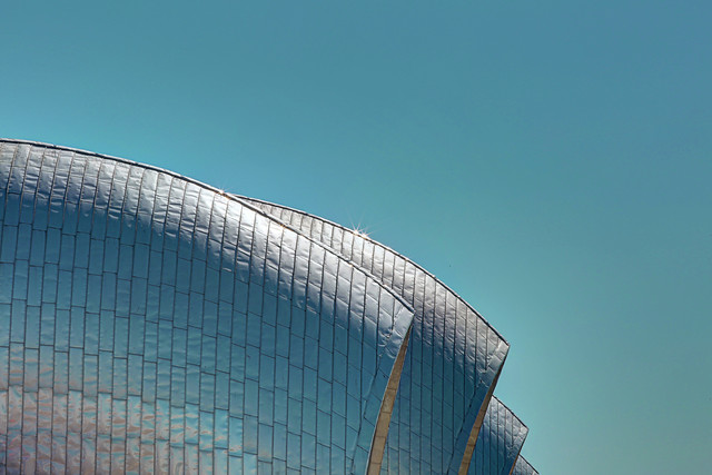 Thames Barrier - fotokunst von Michael Belhadi