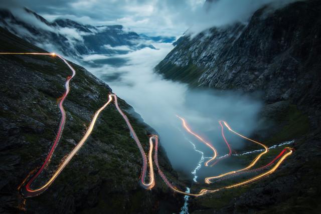trollstigen - fotokunst von Christoph Schaarschmidt