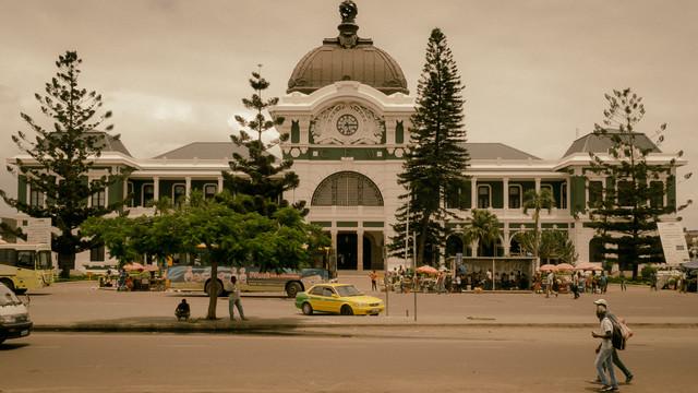 Bahnhof CFM Maputo Mosambik - fotokunst von Dennis Wehrmann