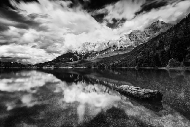 Stürmischer Eibsee - fotokunst von Oliver Henze