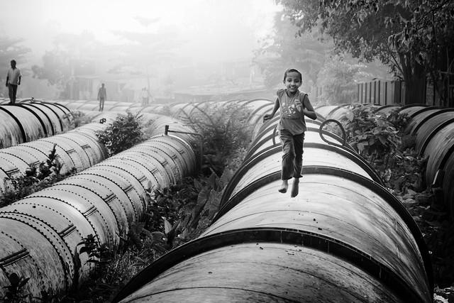 Pipeline of Life - fotokunst von Rob van Kessel