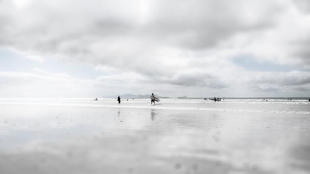 Beachboys - fotokunst von Rob van Kessel