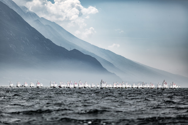 Lake Garda Meeting Optimist Class - fotokunst von Sebastian Rost