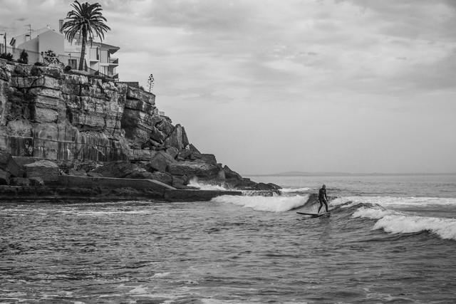 Surfer - fotokunst von Sebastian Rost