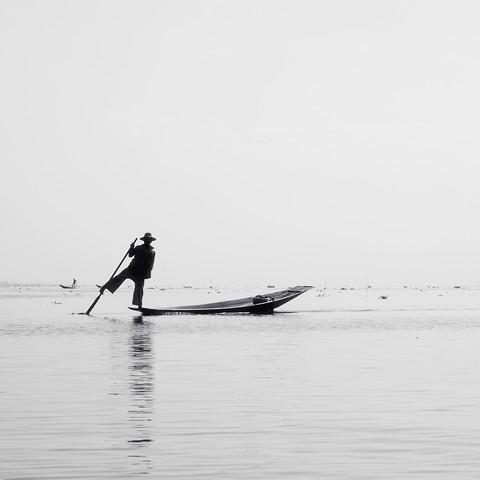 Inle Fisher - fotokunst von Nina Papiorek