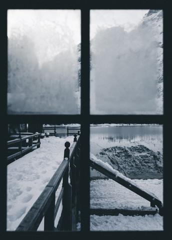 The window on the lake - fotokunst von Silvio Bergamo