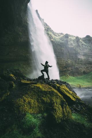 Wasserfall Dusche - fotokunst von Patrick Monatsberger