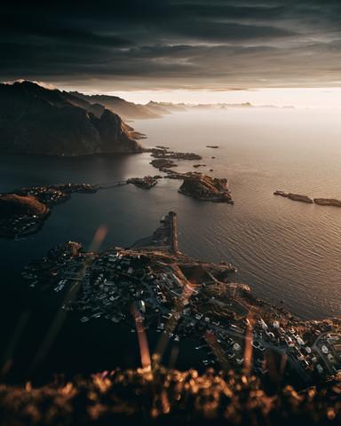 Sonnenaufgang über Reine - fotokunst von Frederik Schindler