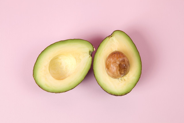 Couple of Avocado - fotokunst von Loulou von Glup