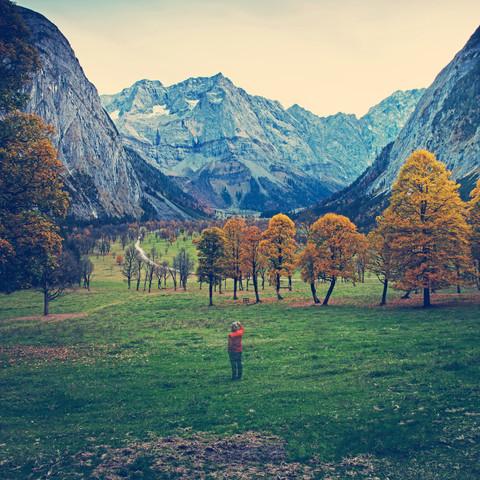Großer Ahornboden im Herbst - fotokunst von Franz Sussbauer