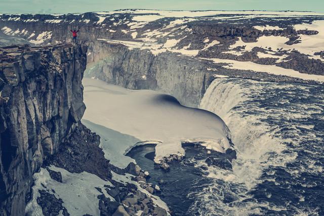 Wasserfall mit Eisdecke - fotokunst von Franz Sussbauer