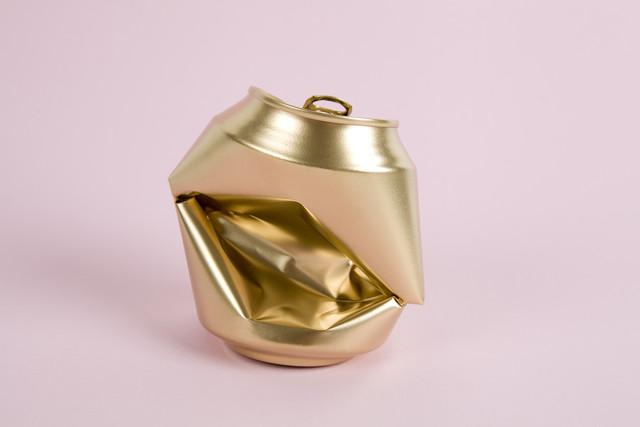 Pink Gold Can - fotokunst von Loulou von Glup