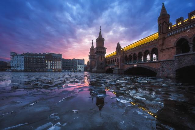 Berlin Eisschollen auf der Spree - fotokunst von Jean Claude Castor