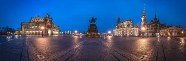 Dresden Semperoper Panorama - fotokunst von Jean Claude Castor