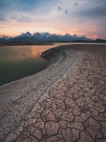 Deserted Alps - fotokunst von Gergo Kazsimer
