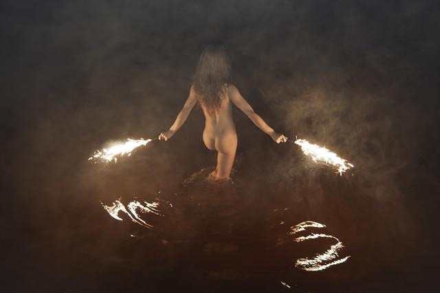 Fire Swim With Me - fotokunst von Linas Vaitonis