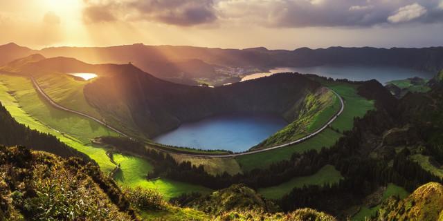 Kratersee auf den Azoren - fotokunst von Jean Claude Castor