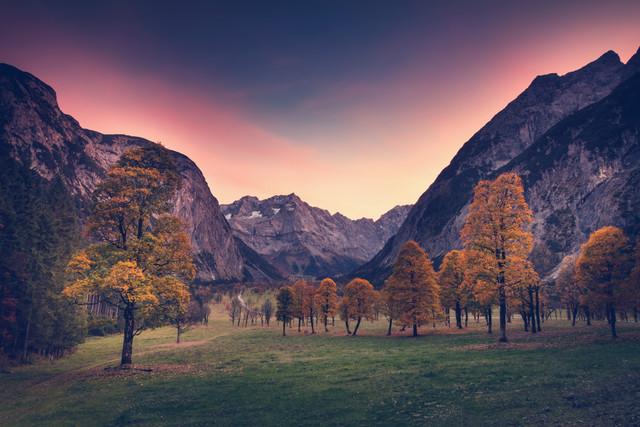 Großer Ahornboden mit himmlischer Rotfärbung - fotokunst von Franz Sussbauer