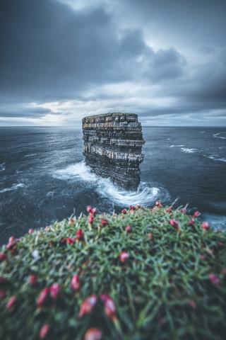 Downpatrick Head - fotokunst von Philipp Steiger