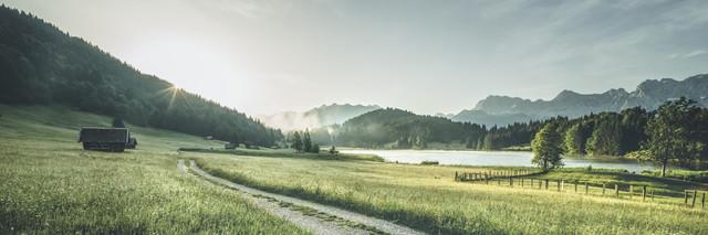 First Sunlight - fotokunst von Philipp Steiger