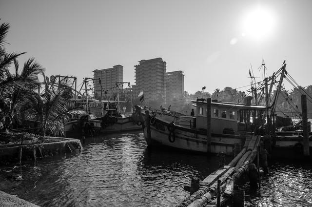 moored fishing boats - fotokunst von Aleksi Lausti
