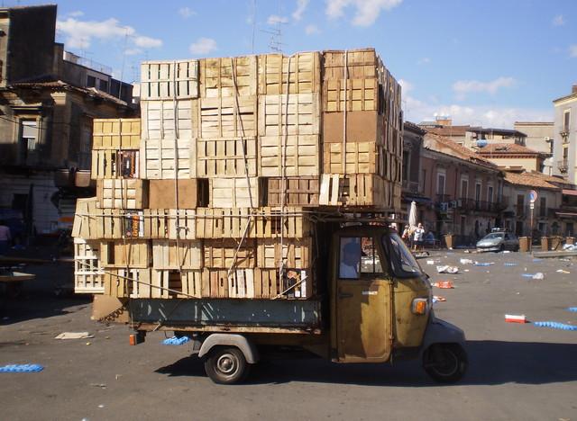 Nach dem Markt - Catania - fotokunst von Mario Stuchlik