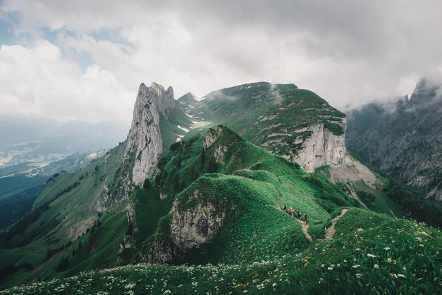 Grüne Huegel im Alpstein - fotokunst von Ueli Frischknecht