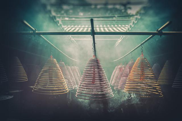 Yung Shue Tau Tempel - fotokunst von Pascal Deckarm
