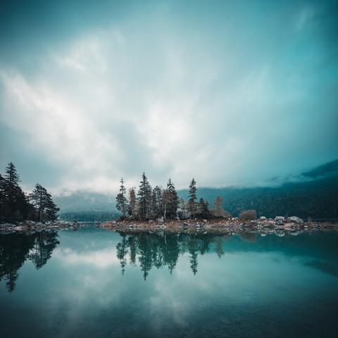 Eibsee zur Blauen Stunde - fotokunst von Franz Sussbauer