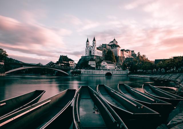 Festung Aarburg am Morgen - fotokunst von Niels Oberson