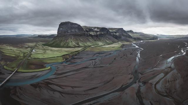 Islands raue Landschaft - fotokunst von Roman Huber