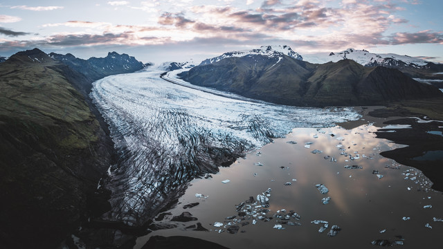 Sonnenaufgang über dem Gletscher - fotokunst von Roman Huber
