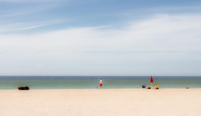 Three men and a hidden woman - fotokunst von Andreas Weiser