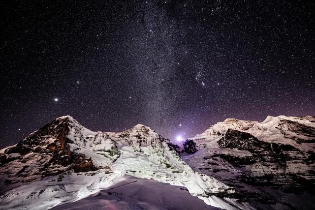 Eiger Mönch und Jungfrau bei Nacht - fotokunst von Peter Wey