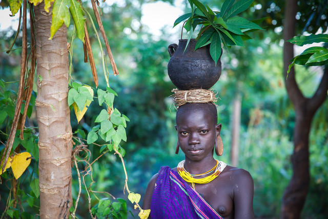 Suri Garden - fotokunst von Miro May