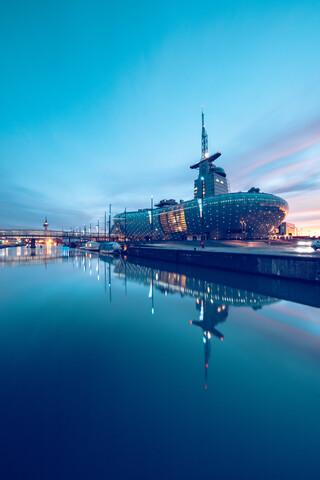 Klimahaus und Sail City - fotokunst von Franz Sussbauer
